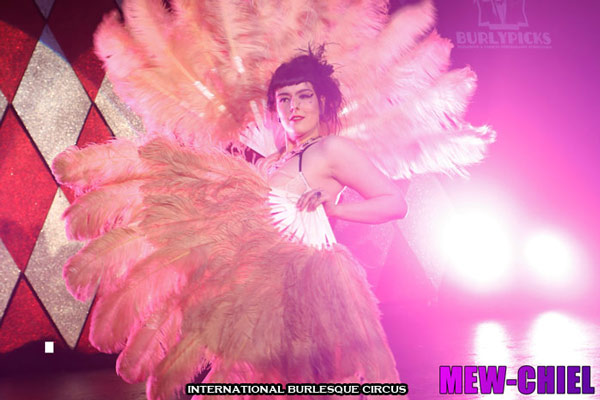 Darling D'Ville at the International Burlesque Circus Burlypicks Netherlands - the Dutch edition