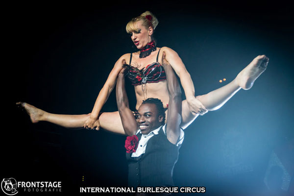 Miss Eva blue and Mr Colins at the International Burlesque Circus Burlypicks Netherlands - the Dutch edition