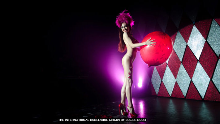 Miss Romanova from Russia at the International Burlesque Circus Burlypicks Netherlands - the Dutch edition