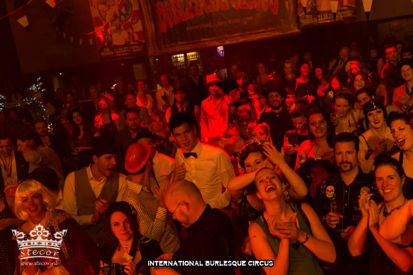 the amazing audience at the International Burlesque Circus Burlypicks Netherlands - the Dutch edition