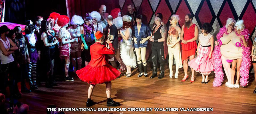 curtaincall at the International Burlesque Circus- the Freaks & Geeks edition