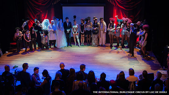curtaincall at the International Burlesque Circus - the Wicked Wedding edition