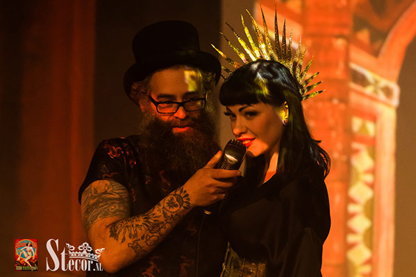 host and stagekitten at the International Burlesque Circus - the Exotic Sensations edition