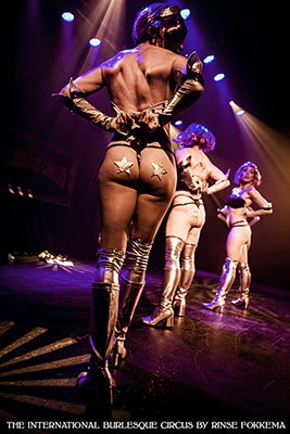 The Lipsi Lilllies at the Outer Space edition of the International Burlesque Circus in Utrecht
