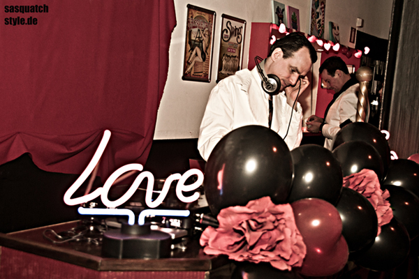 The International Burlesque Circus - the sold out 3rd edition: Heaven & Hell - DJ Dr Hirschfeld