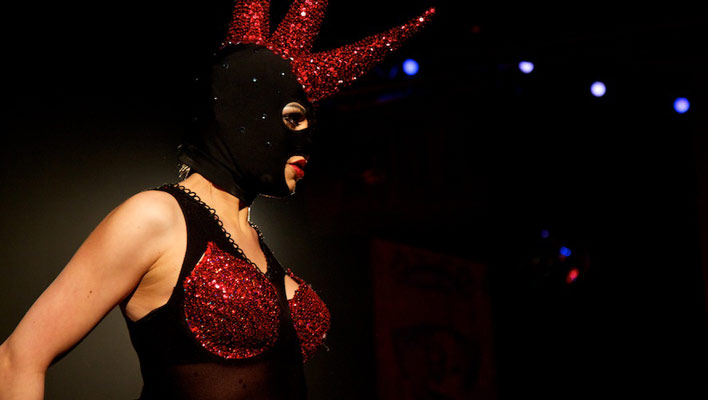 The International Burlesque Circus - the sold out 3rd edition: Heaven & Hell - Natsumi Scarlett