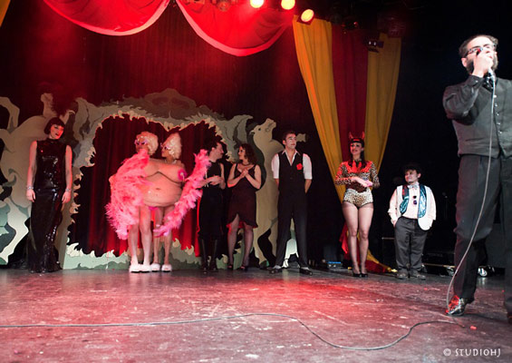 The International Burlesque Circus - the sold out 3rd edition: Heaven & Hell - curtain call