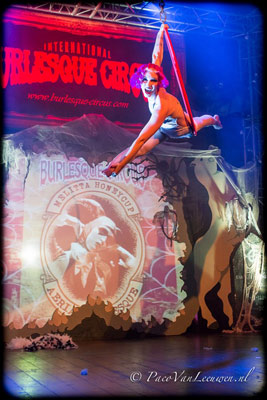 aerial acrobatik at the Halloween edition of the International Burlesque Circus