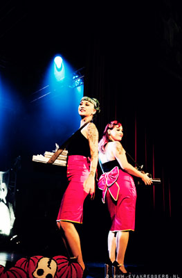 candygirls at the Halloween edition of the International Burlesque Circus