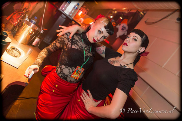 charitygirls at the Halloween edition of the International Burlesque Circus