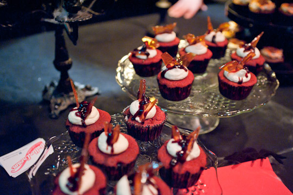 cupcakes at the Halloween edition of the International Burlesque Circus