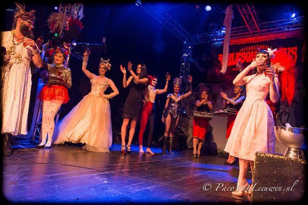 curtaincall at the Halloween edition of the International Burlesque Circus