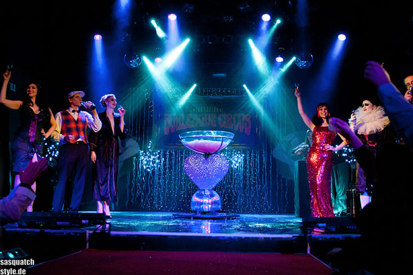 curtaincall at The International Burlesque Circus - The Glamour edition
