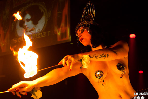 fire burlesqueshow by Xarah von den Vielenregen at The International Burlesque Circus - The Glamour edition
