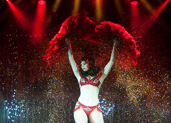 lots of glitter by Xarah von den Vielenregen at The International Burlesque Circus - The Glamour edition