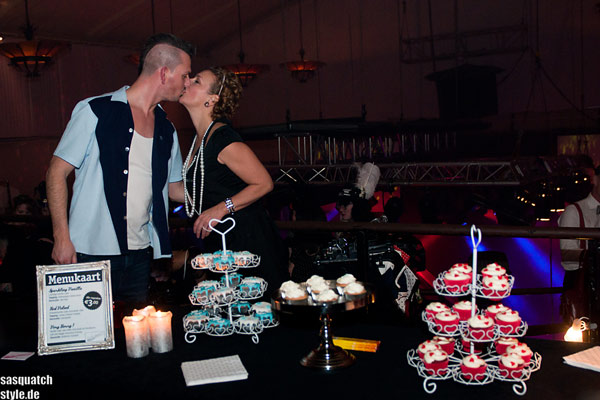 cupcakes at The International Burlesque Circus - The Glamour edition